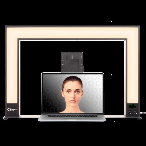 Sandi_Front_Laptop_Warm 720x720